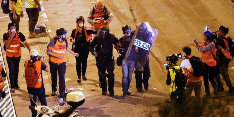 Detención del fotoperiodista de El País